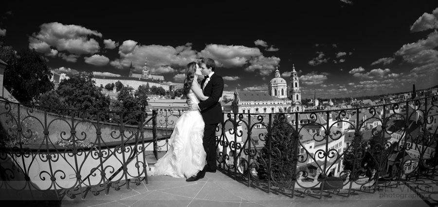 Vrtbovska garden weddings / Akiko & Jakub / wedding day photography