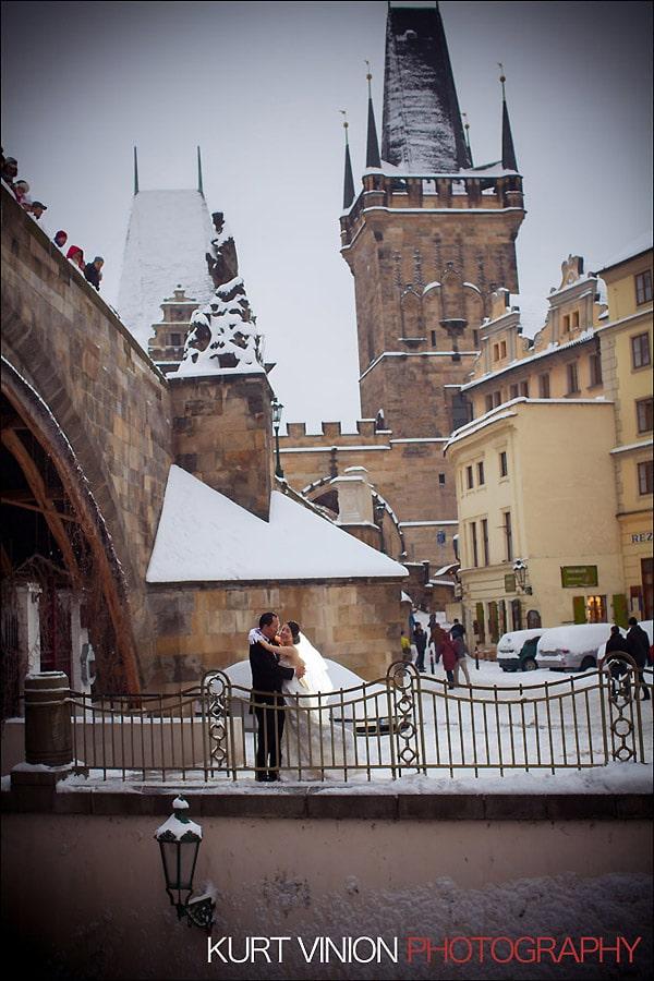 Prague pre wedding photography / Helen & CY winter pre wedding portraits at the Charles Bridge