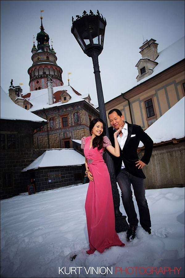 Prague pre wedding photography / Helen & CY winter pre wedding portraits in Cesky Krumlov
