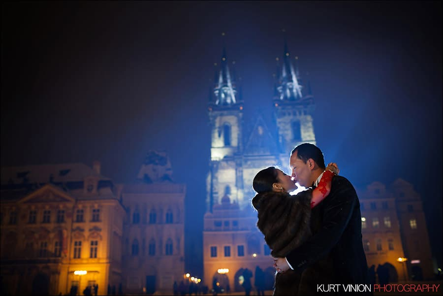 Prague pre wedding photography / Helen & CY winter pre wedding portraits in Old Town Square