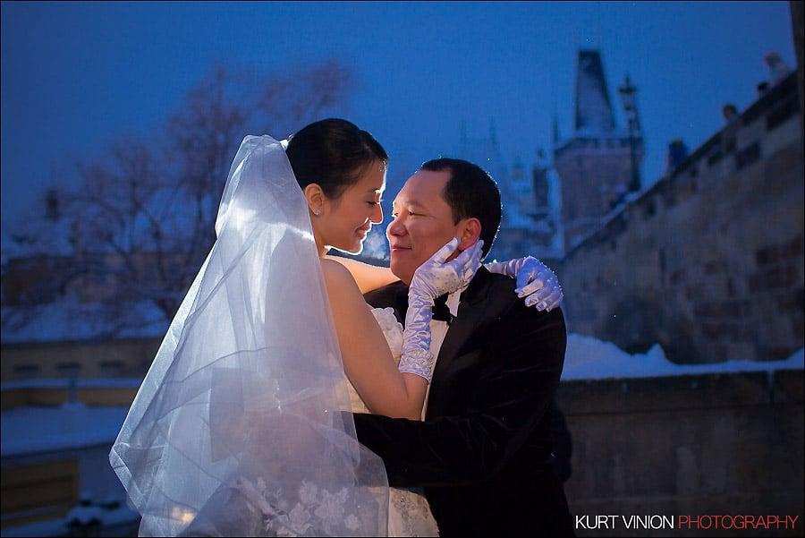 Prague pre wedding photography / Helen & CY winter pre wedding portraits