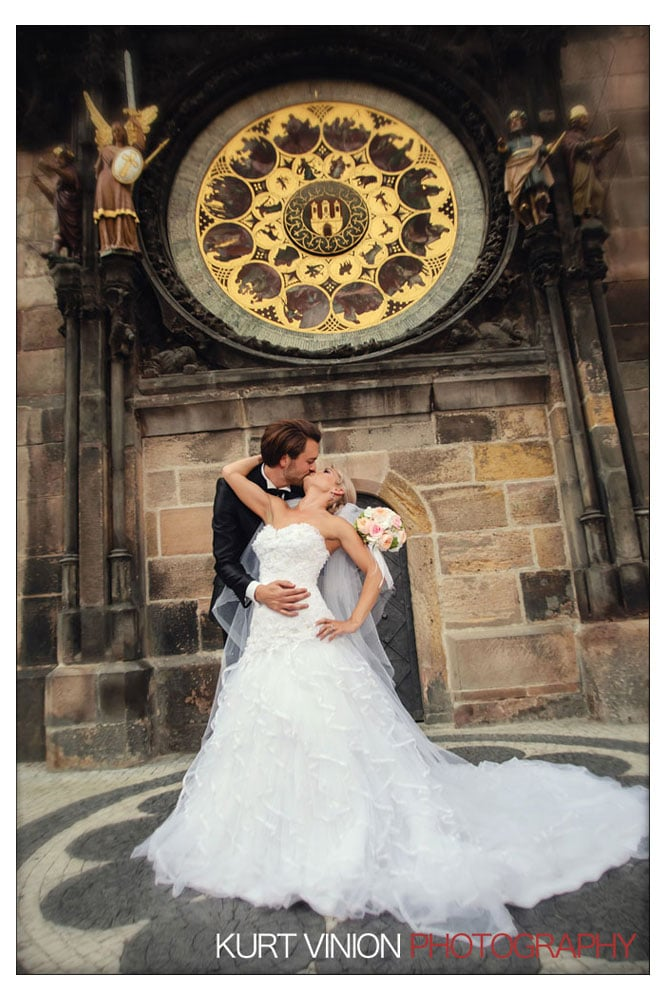 Prague Clementinum wedding / Jess + James - wedding portraits at the Astronomical Clock