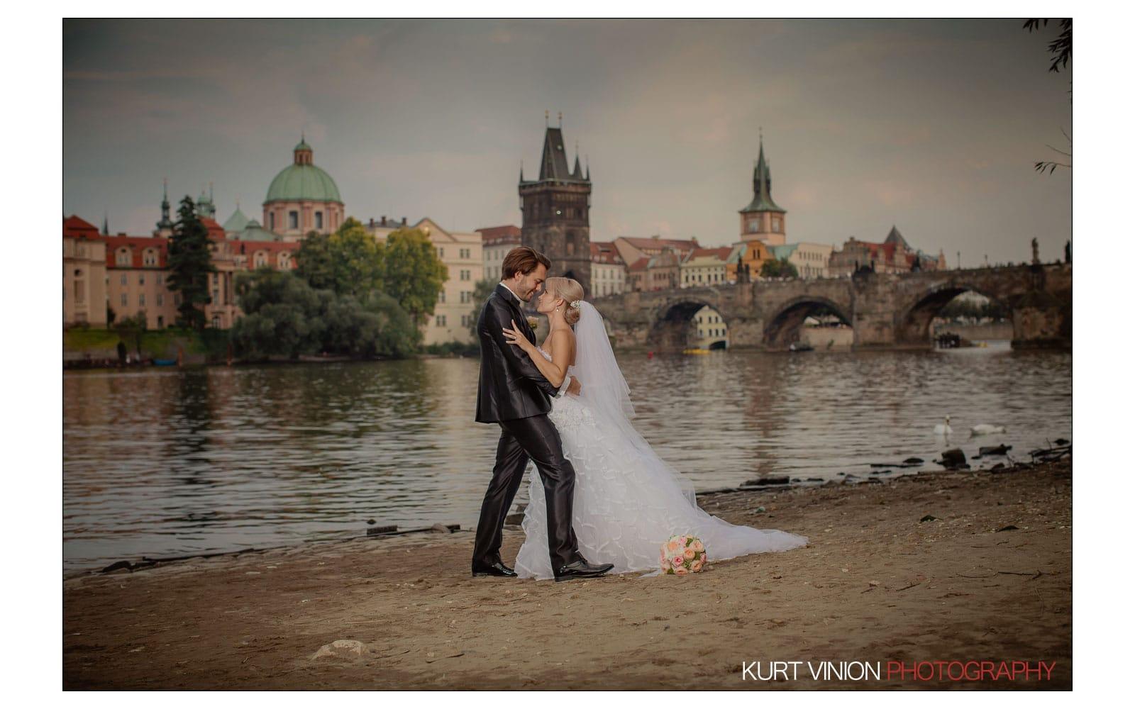 Prague Clementinum wedding / Jess + James - portraits near the Charles Bridge