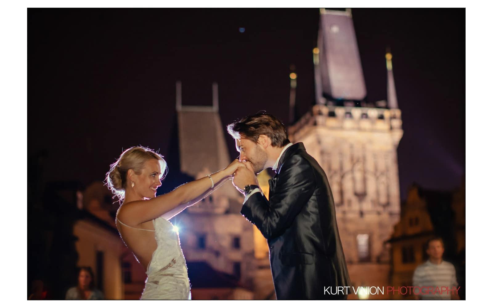 Prague Clementinum wedding / Jess + James - Charles Bridge portraits