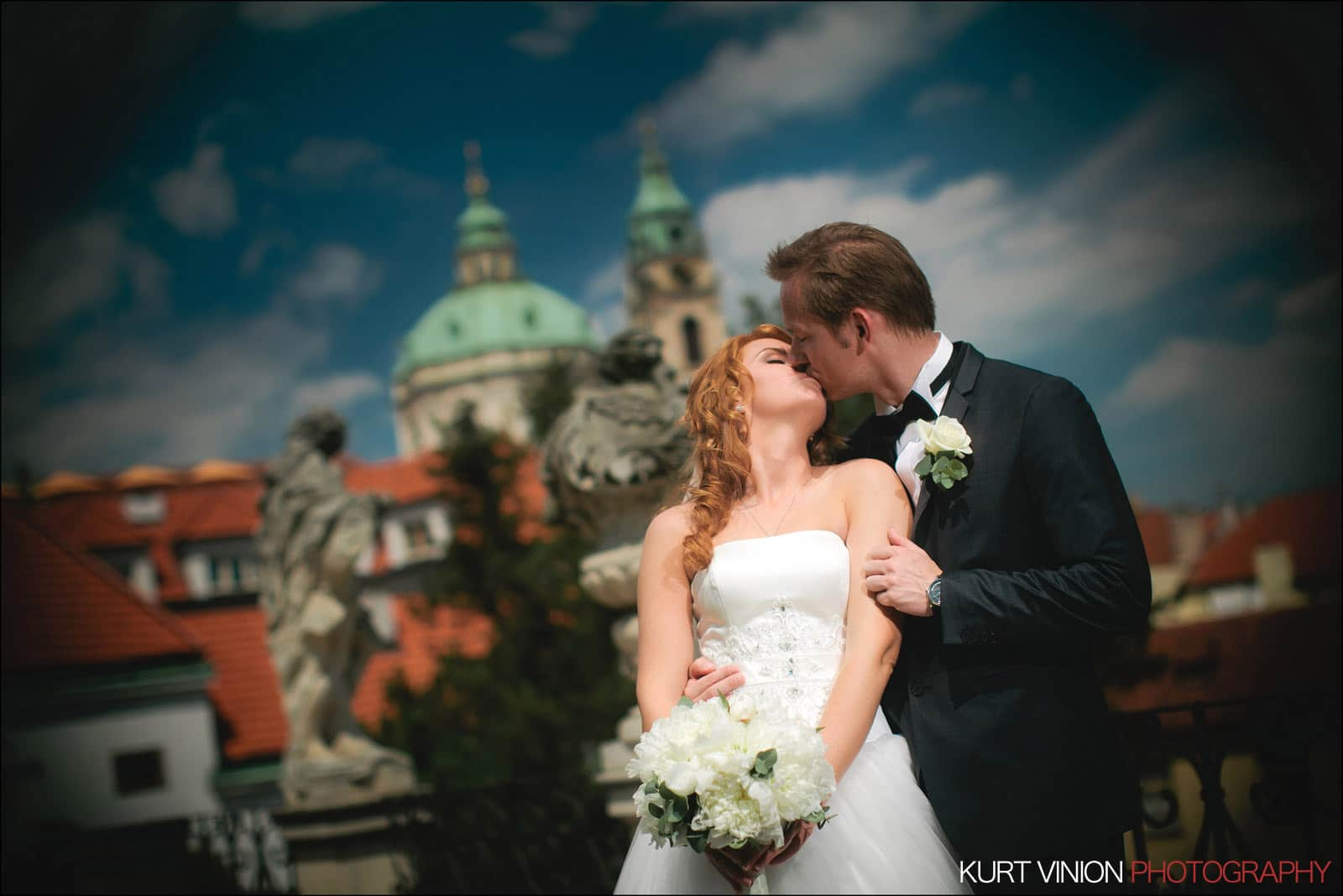 Elopement wedding Prague / Vrtbovska Garden / Polya & Dirk wedding portraits at Vrtba