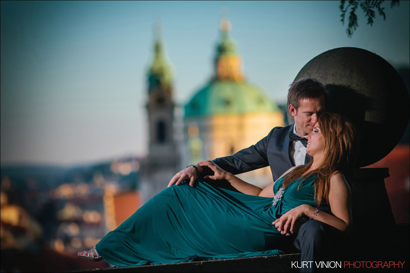 Elopement wedding Prague / Polya & Dirk wedding portraits at Prague Castle