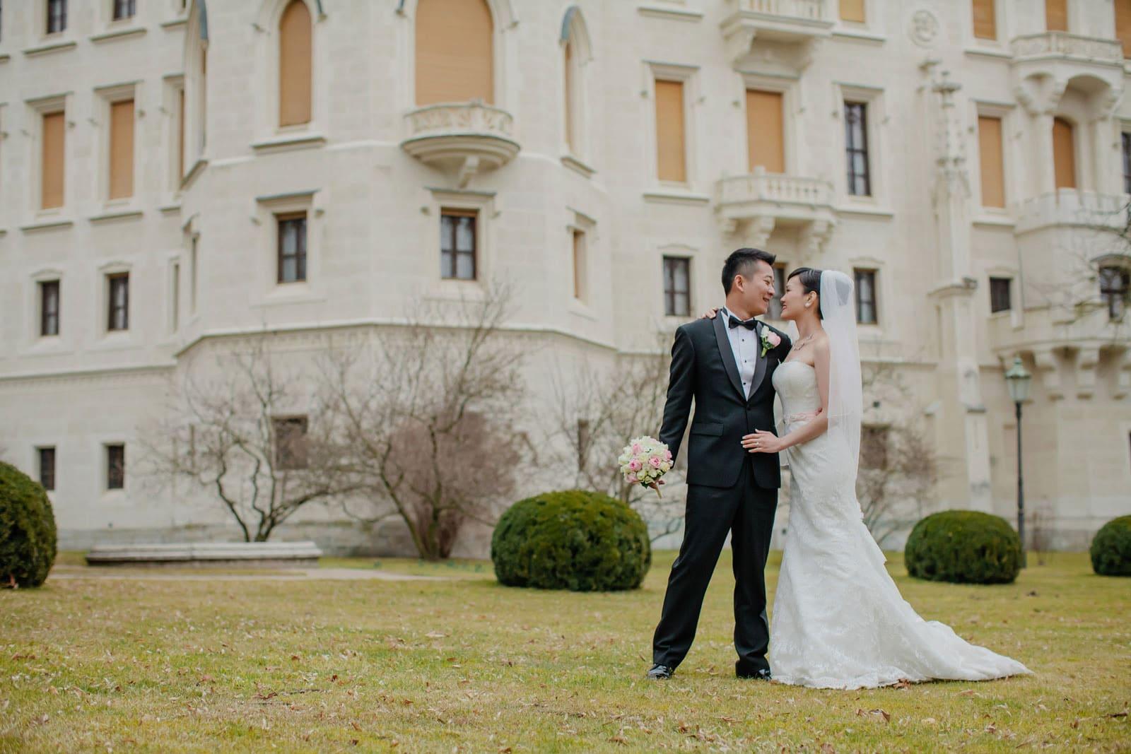 Castle Hluboka nad Vltavou wedding / Suki & Steven / wedding portrait session