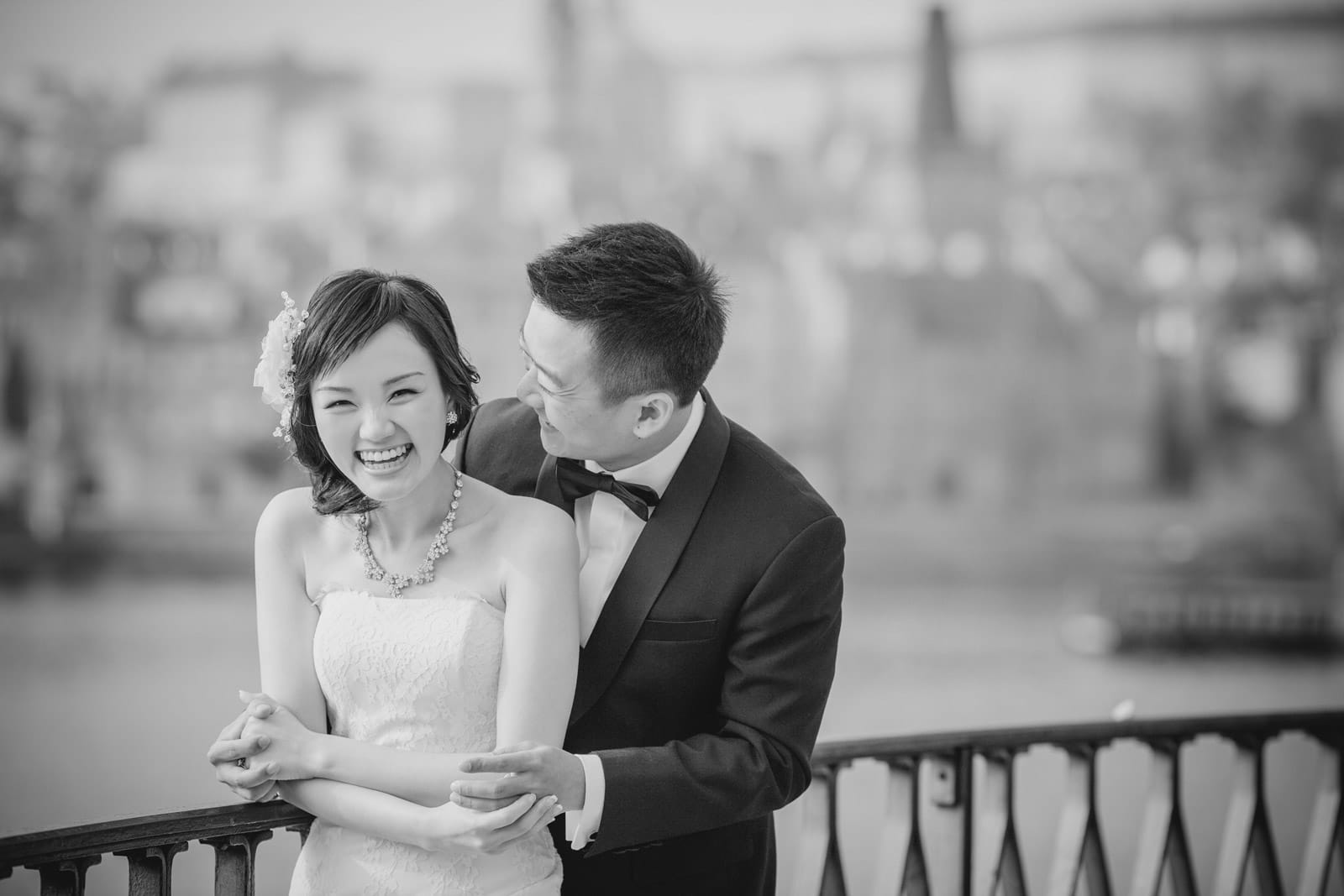 Prague pre wedding / Suki & Steven / portraits near the Charles Bridge