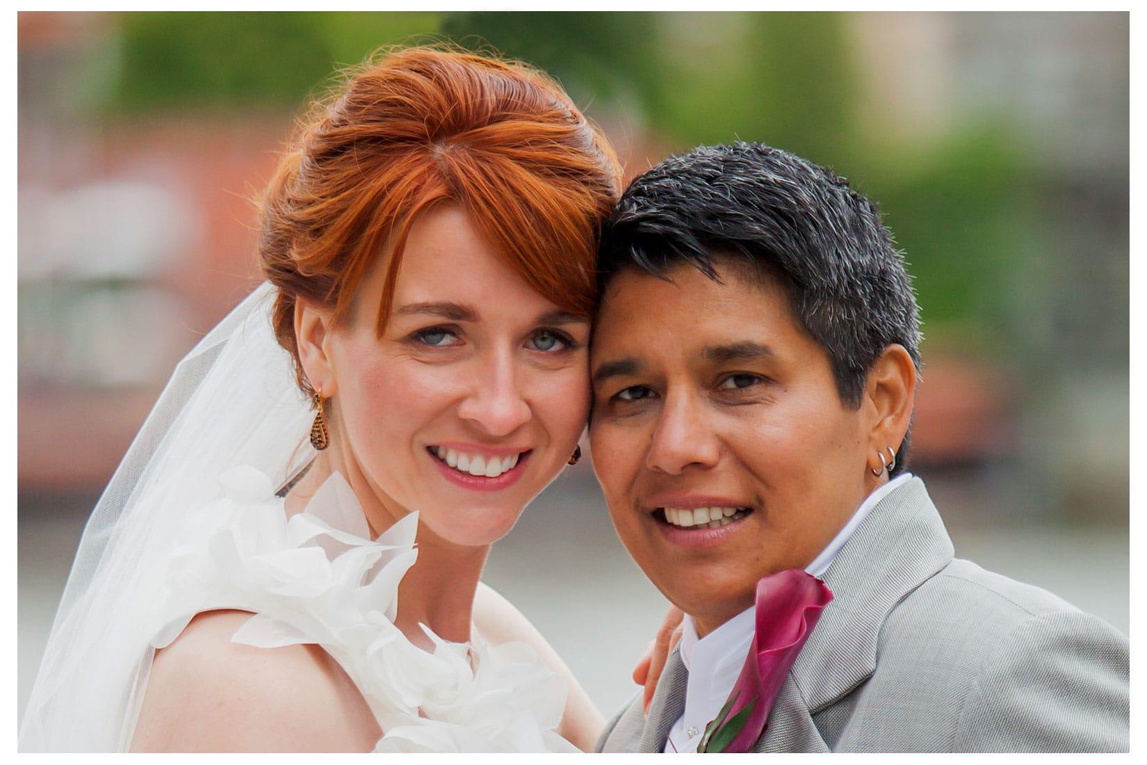Charles Bridge Wedding / Kimberly & Jules / Charles Bridge wedding portraits