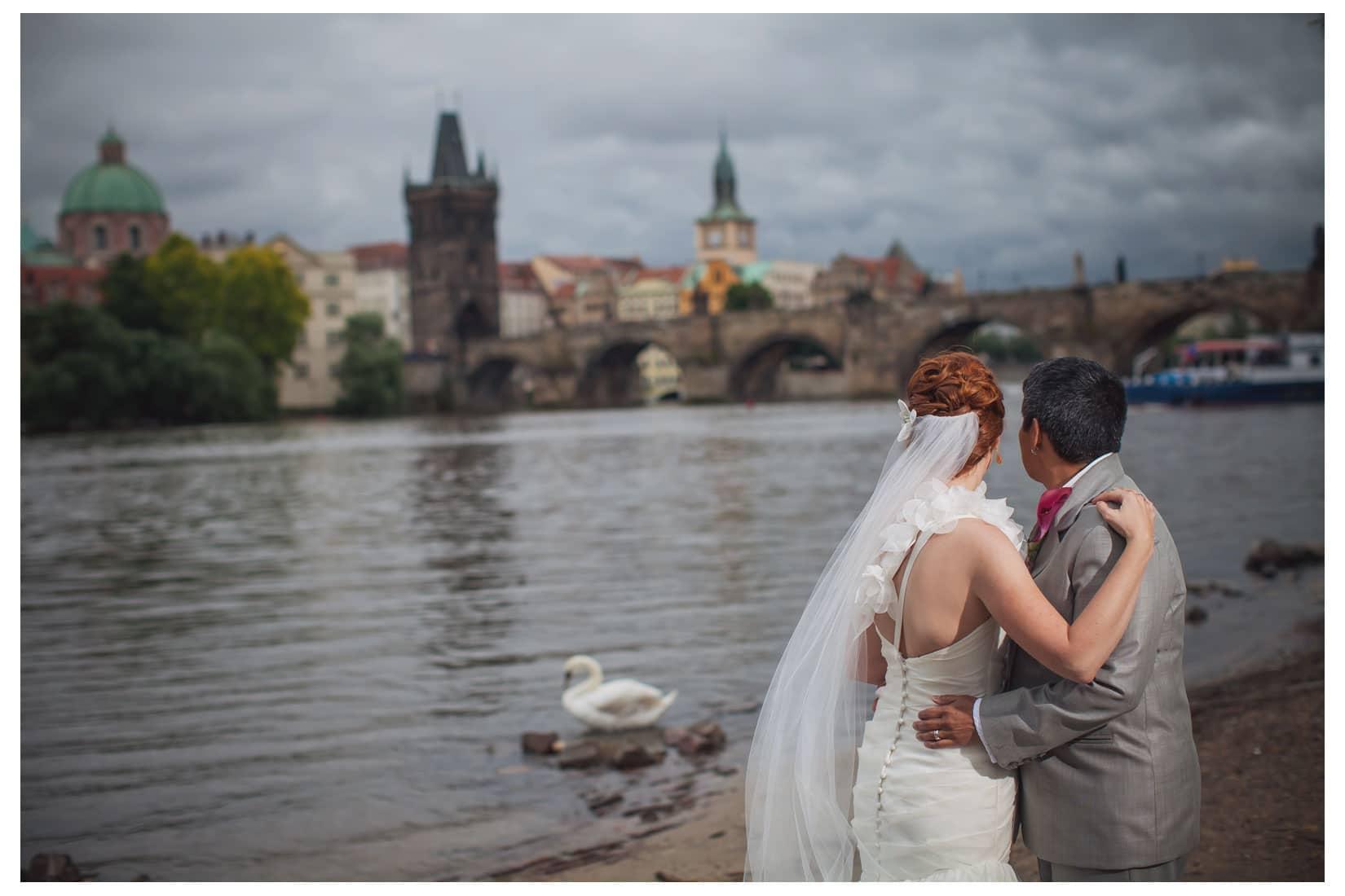 Charles Bridge Wedding / Kimberly & Jules / Na Plavka wedding portraits near the Charles Bridge