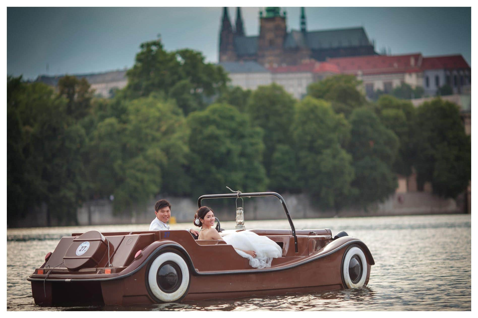 Prague pre wedding / Yannes & Roy portrait session