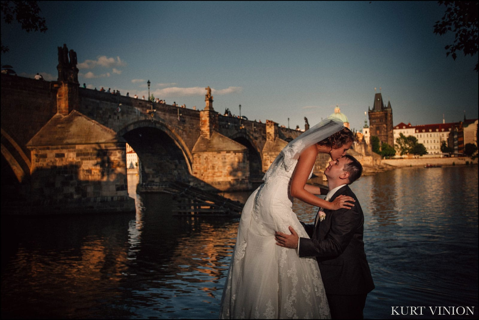Castle Konopiste wedding / Oksana & Vladislav wedding day photography at the Charles Bridge