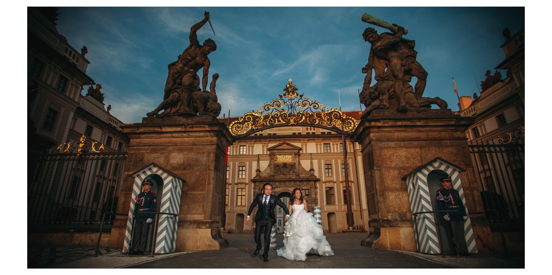 Prague Castle Portrait session / Sherry & Ken pre wedding photography