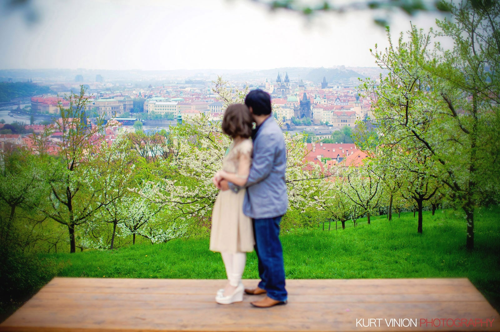 Prague pre wedding / Shirley & Green / photography under the cherry blossom trees at Petrin hill