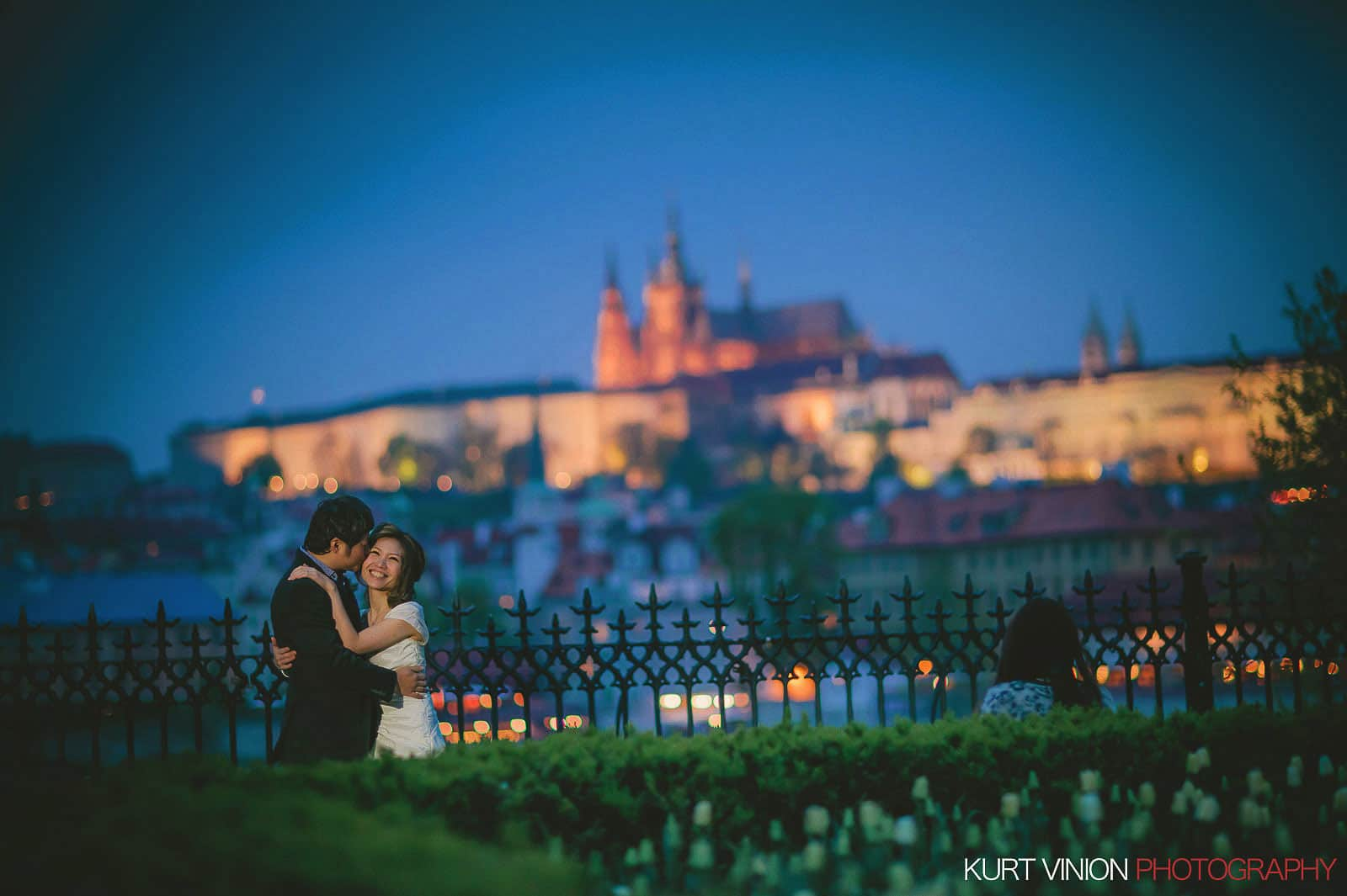 Prague pre wedding / Shirley & Green / photography near the Charles Bridge
