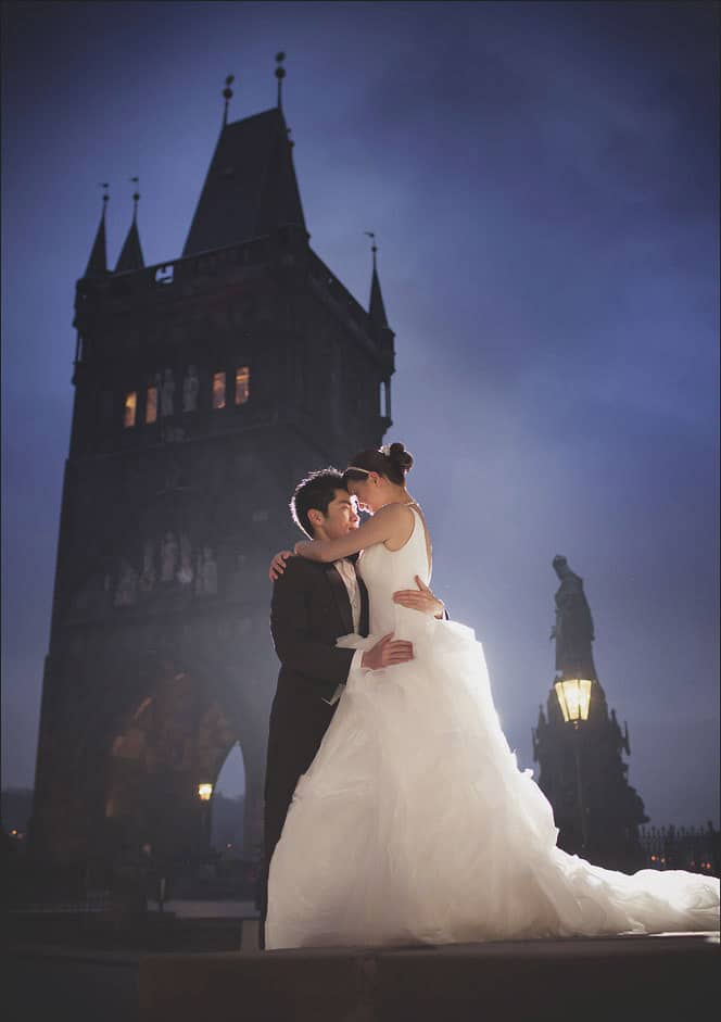 Prague pre wedding / Winona & Erik / Charles Bridge portraits