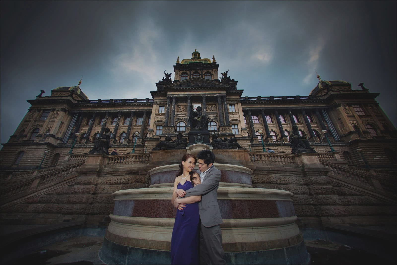 Prague pre wedding / Winona & Erik / Muzeum portraits at Wenceslas Square