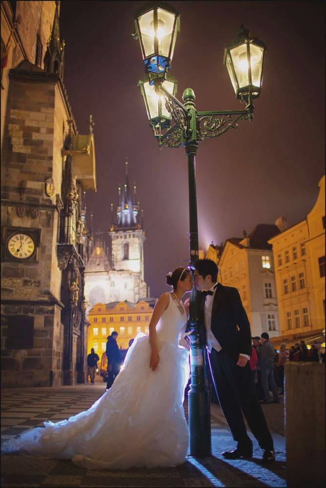 Prague pre wedding / Winona & Erik / portraits at the Old Town Square
