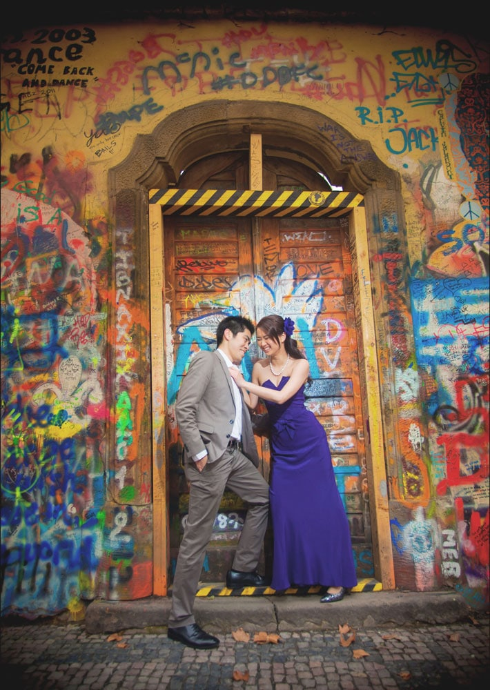 Prague pre wedding / Winona & Erik / portraits at the John Lennon Wall