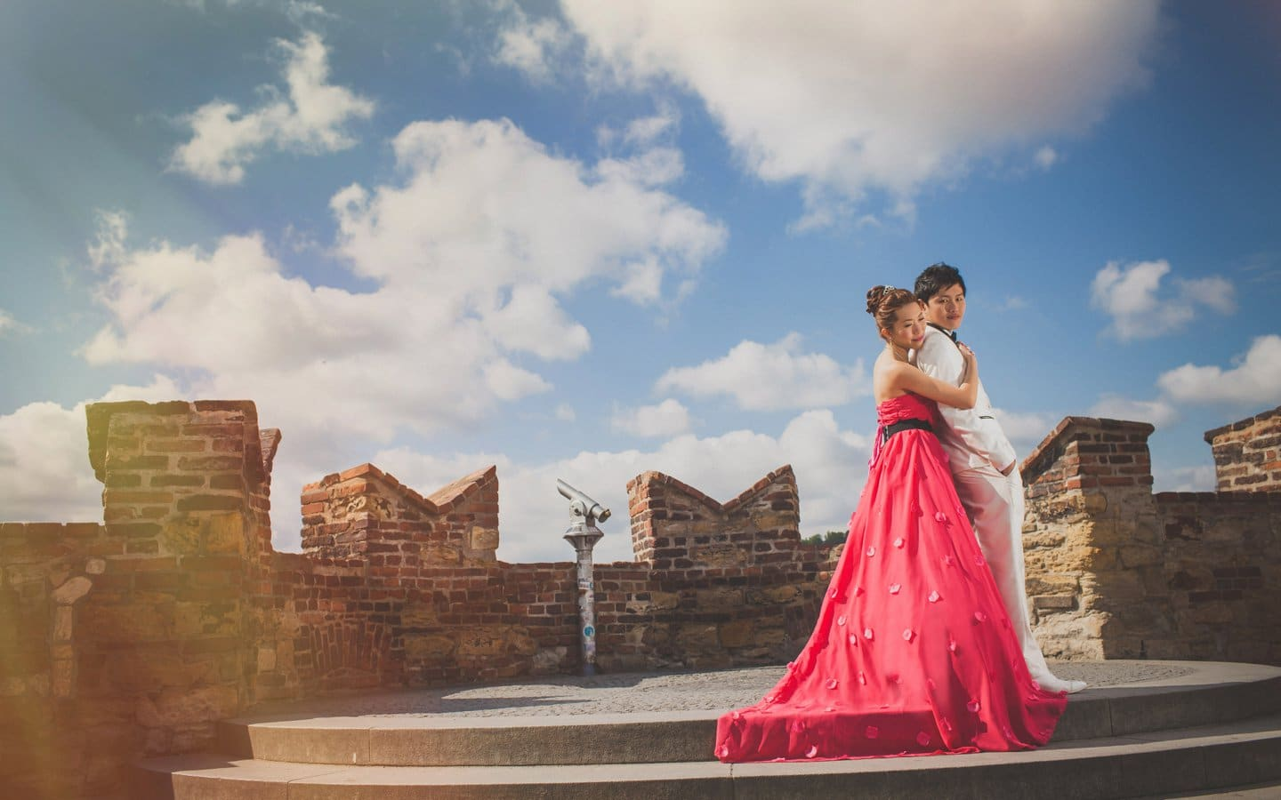 A sunrise & sunset pre wedding session in Prague with Alice & Mun