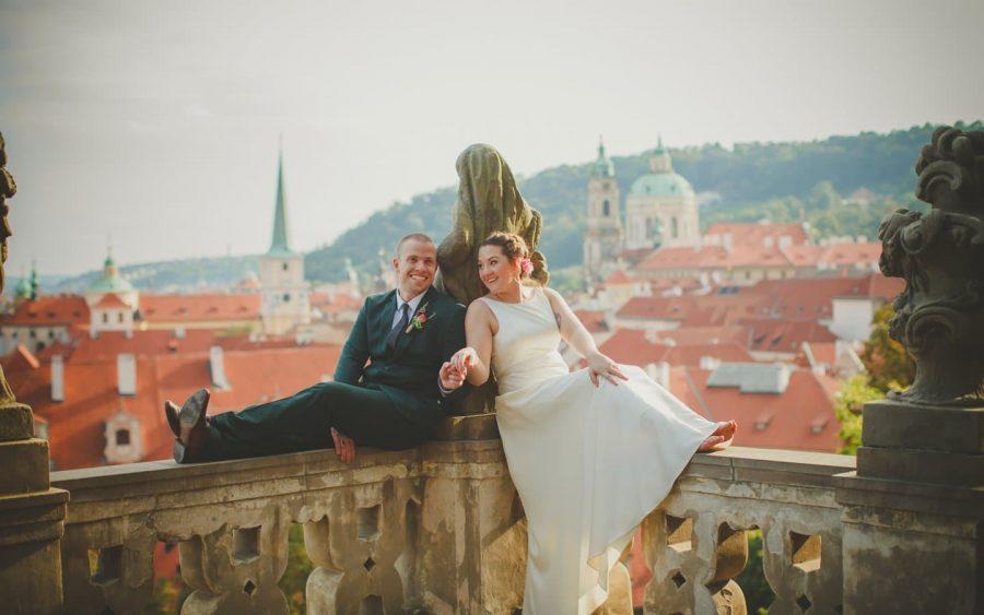 Prague weddings / R&J / Wedding Ceremony at the Vrtba Garden / American Photographer Kurt Vinion