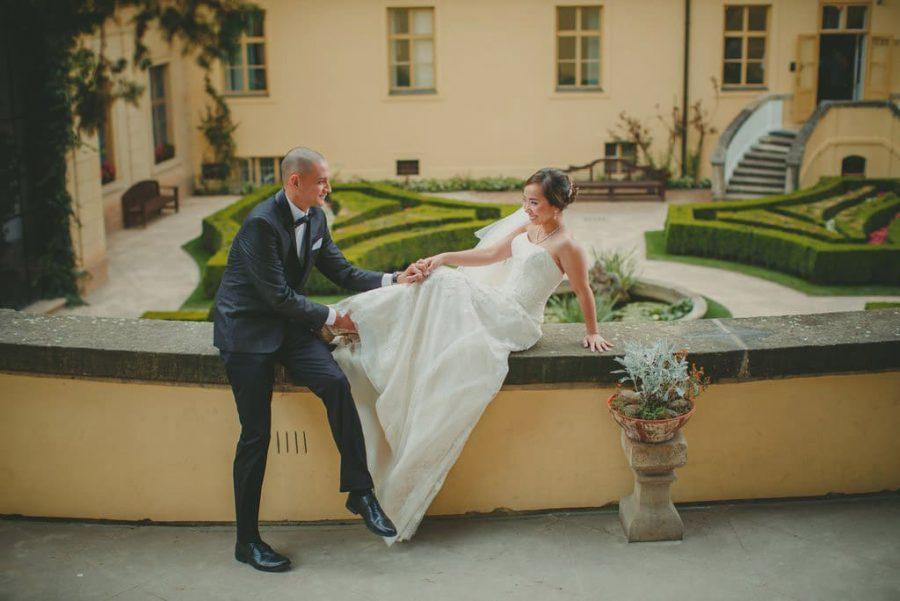 Prague weddings / J&J wedding day portraits at the Vrtba Garden / captured by American photographer Kurt Vinion