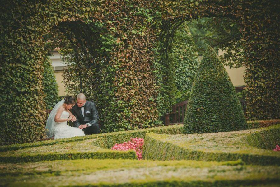 Prague weddings / J&J wedding day photos from Vrtba Garden / captured by American photographer Kurt Vinion