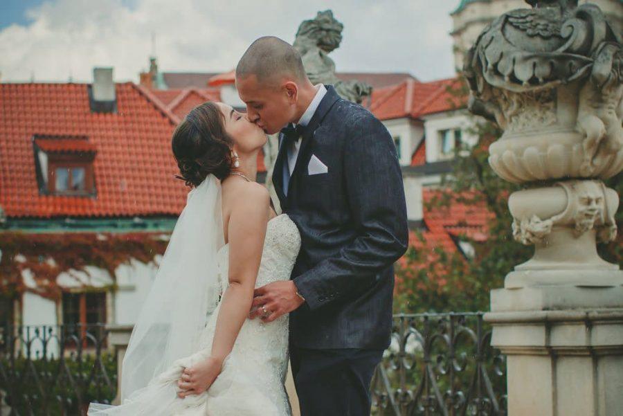 Prague wedding / J&J wedding photos from Vrtba Garden / captured by American photographer Kurt Vinion