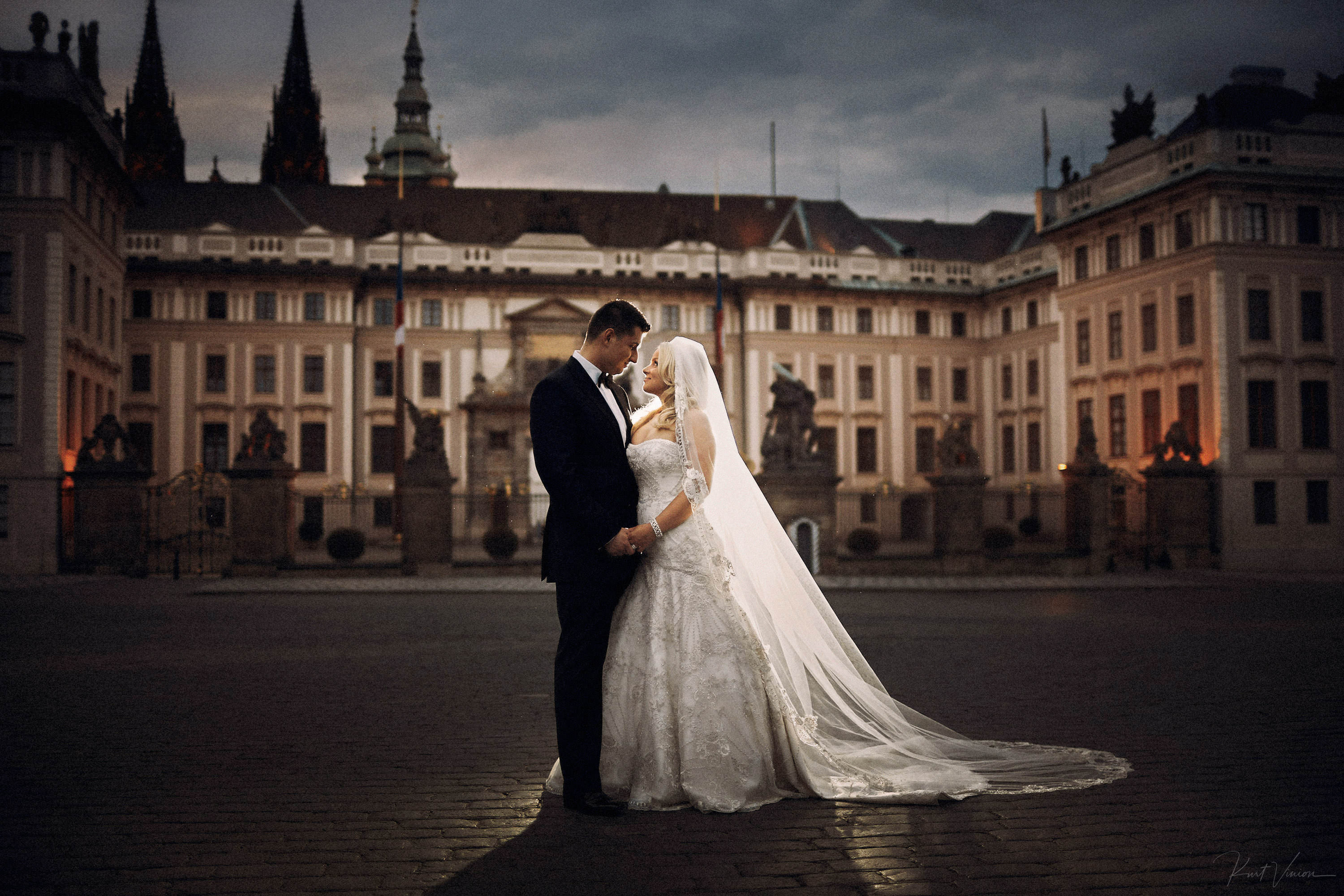How to successfully plan your Prague destination wedding during COVID-19